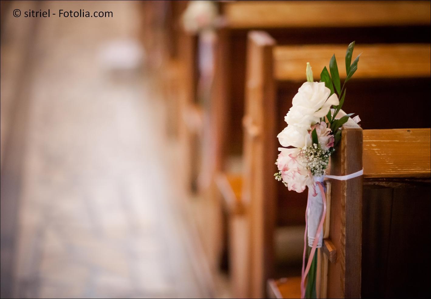 Hier finden Sie Informationen zur kirchlichen Trauung in Dortmund – #132524576 | © sitriel - Fotolia.com